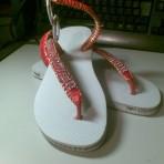 Sandália customizada triplo strass com ferragem e solado em strass